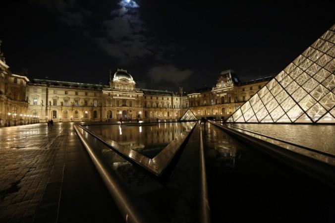 Louvre Müzesi - Fotoğraf KorkutGökhan